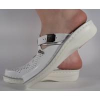Saboti/Papuci albi din piele naturala dama/dame/femei (cod 13-7512)