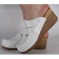 Saboti/Papuci albi din piele naturala dama/dame/femei (cod 1001)