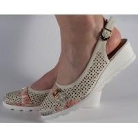 Pantofi bej platforma perforati dama/dame/femei (cod 028460)