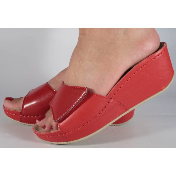 Saboti/papuci platforma piele naturala rosii dama/dame/femei (cod 681)