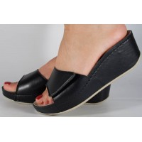 Saboti/papuci platforma piele naturala negri dama/dame/femei (cod 681)