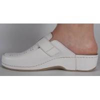 Saboti/Papuci MUBB albi din piele naturala dama/dame/femei (cod 250)