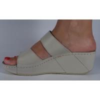Saboti/Papuci MUBB bej din piele naturala dama/dame/femei (cod 6680.1)