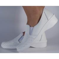 Pantofi platforma perforati albi piele naturala dama/dame/femei (cod 02-12)